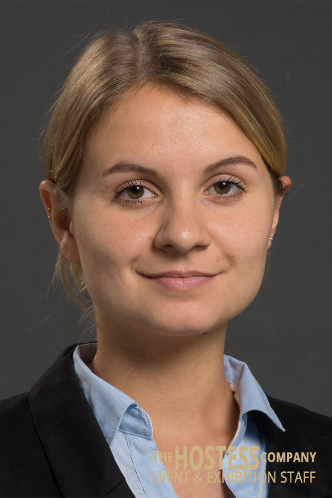 1Sophie-WH-454-Messehostess-Promoterin-Leipzig
